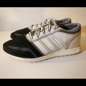 Other - 👟 Adidas Los Angeles White And Black Size 9.5